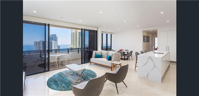 黄金海岸Surfers Paradise 精美公寓 位置优越 设施完善 视野开阔